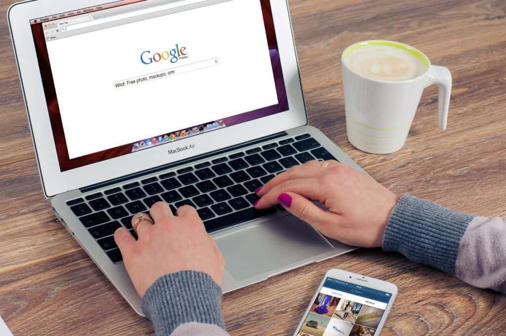 autouzupełnianie w google
