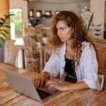 Jak szybko przenieść swój biznes do sieci i założyć sklep internetowy?