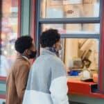 Jak brać urlop w sklepie internetowym, aby nie stracić klientów?